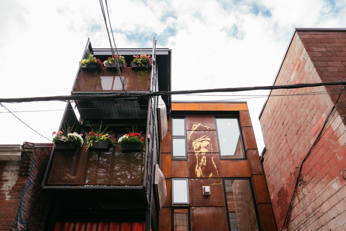 shipping container home behind the Harlem Underground in Toronto